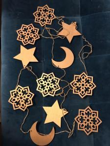 N1005 Stjerne & måne guirlande - 3m i længde og 7cm pr stk